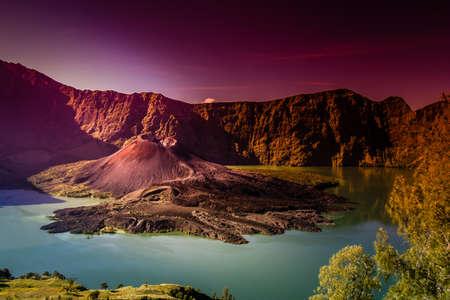 Krater van Gunung Rinjani vulkaan eiland Lombok Indonesië Stockfoto