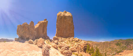 tableau: Stunning panorama of Roque Nublo mountain in Gran Canaria Spain