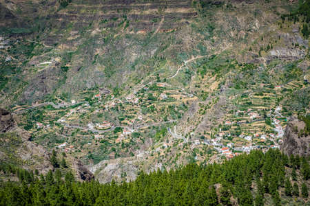 tableau: Homes on the slopes of mountains in Gran Canaria Spain Stock Photo