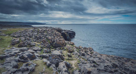 rock formation: Panoramic view of the cliffs in Doolins Bay, The Burren, County Clare, Ireland