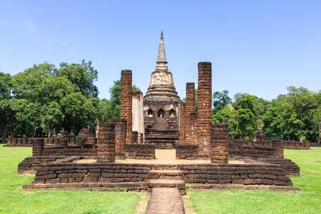 The Wat Chang Lom is a large Buddhist temple in the central zone of Si Satchanalai Historical Park, Sukhothai, Thailand.