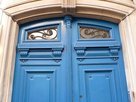 door with moulding in Paris, France Stock Photo - 41956546
