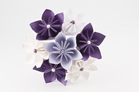 Origami Papier Hochzeit Bouquet - lila und weißen Blüten Standard-Bild - 10670261
