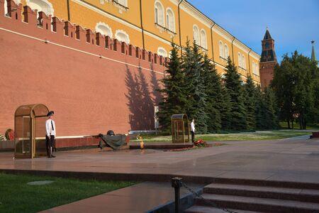Moscow, Russia, June 29, 2018: Military guard near Kremlin wall Standard-Bild - 128667679