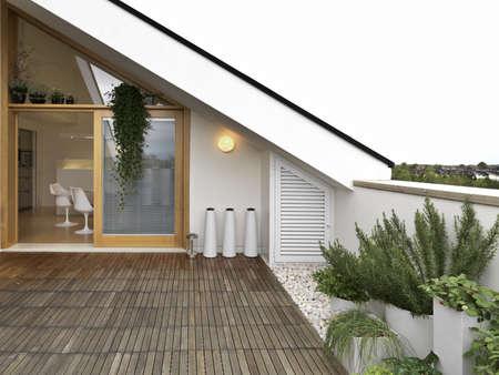 Terrasse mit Holzboden ovrelooking auf Küchenpapier