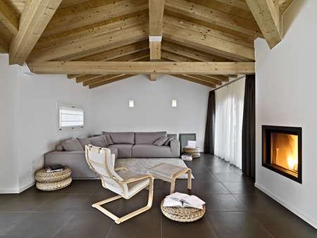Moderne Wohnzimmer Mit Stoff Sofa Und Sessel Holzdecke Lizenzfreie Fotos Bilder Stock Fotografie Image 26961458
