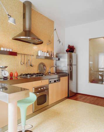 mosaic tile: Interno di cucina moern con mattonelle di mosaico