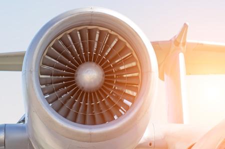 エンジン ターボ ファン エンジン航空機の尾で 写真素材