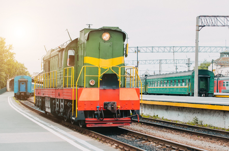 Train, shunting locomotive on the passenger platform