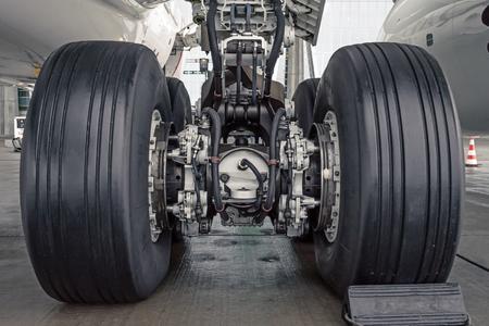 Wheels rubber tire rear landing gear racks