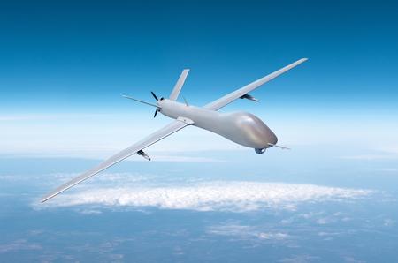 Drone militaire sans pilote sur le territoire aérien de patrouille à haute altitude