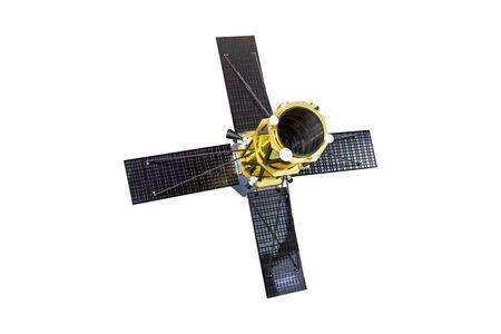 Raumschiff-Satellitenteleskop mit vier Sonnenkollektoren offen, isoliert auf weißem Hintergrund