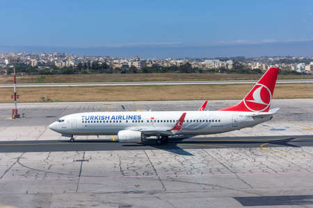 Boeing 737-800 Turkish airlines, airport Luqa Malta, 10 may 2019