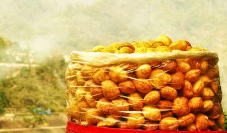 puri: Spicy indian pani puri