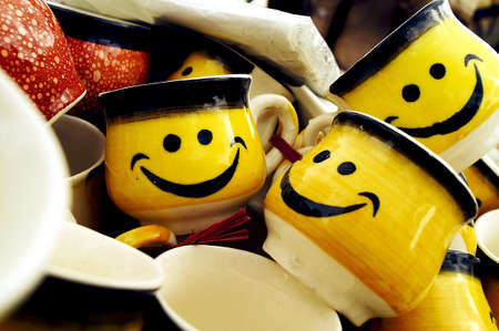 lovable: Smiley Cups for Lovable Couples