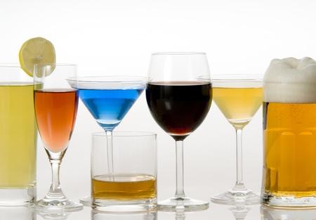 tomando alcohol: bebida
