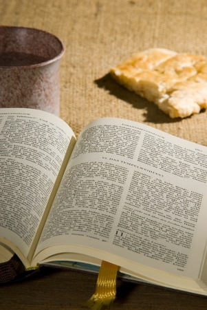 kelch: Bibel Lizenzfreie Bilder
