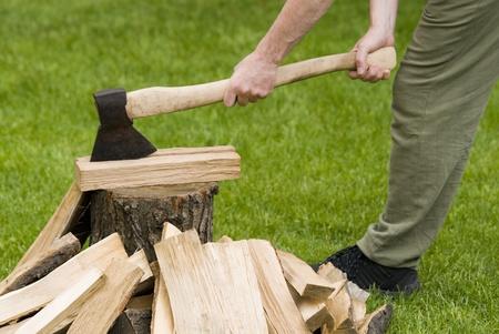 hout hakken Stockfoto