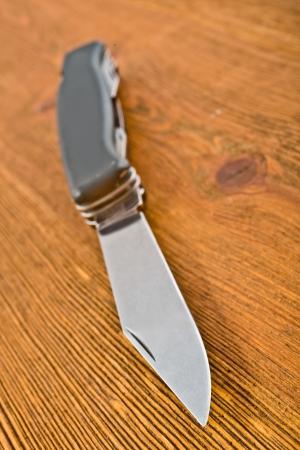chrom: knife