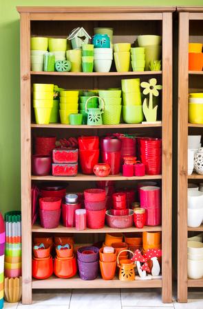 jardineras: nuevos plantadores de color en la florister�a