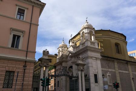 ciudad del vaticano: entrada a algunas partes de la ciudad del vaticano. Foto de archivo