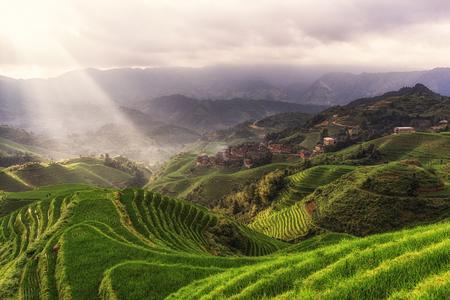 tian tou Zhai dorp bekeken vanuit het oogpunt nummer 1 muziek uit het paradijs in Longji rijstterras, China