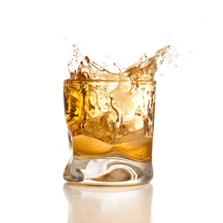distilled water: bienvenida de whisky  Foto de archivo