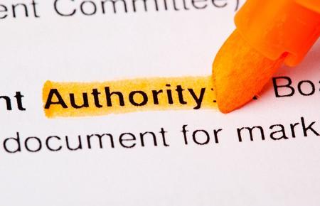 autoridad: palabra de autoridad