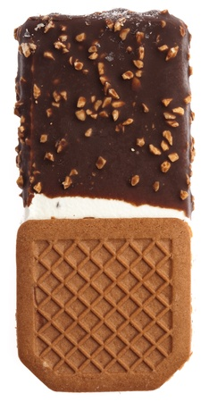 chocolade sandwich ijs geïsoleerd op een witte achtergrond