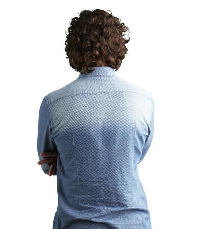 espalda: Volver la vista lateral de un hombre contra un fondo blanco