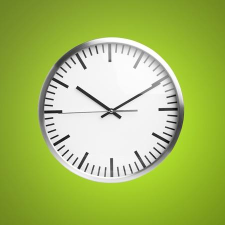 reloj pared: reloj aislado más de fondo verde