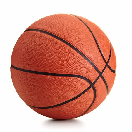 canestro basket: Palla da basket su sfondo bianco