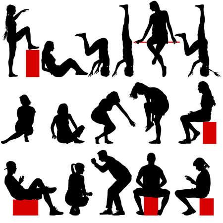 mujeres sentadas: Siluetas negras de hombres y mujeres en una pose que se sienta en un fondo blanco. Ilustración del vector.