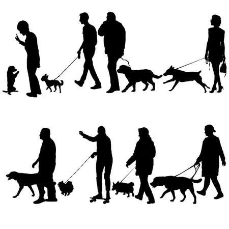 Ustaw sylwetkę ludzi i psa na białym tle.
