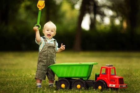 hand shovels: little constructor with shovel