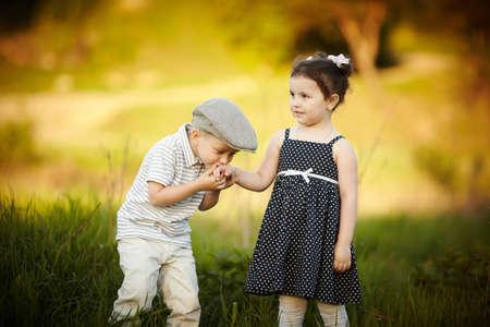 little boy kissed a girl Stockfoto