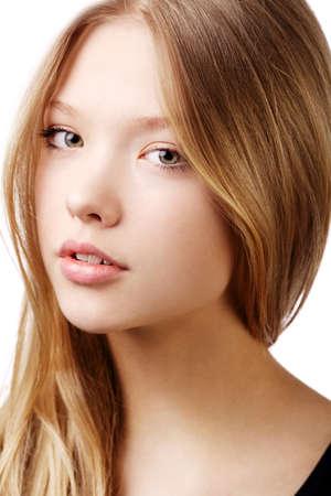 schöne Teenager-Mädchen Porträt isoliert auf weiß