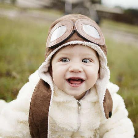 süßes kleines Baby Träumen von Pilot