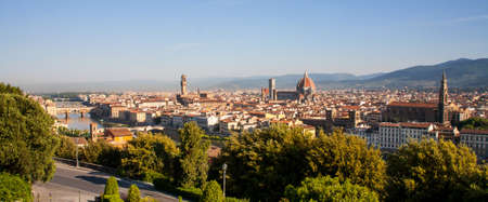 firenze: Panorama shot of Florence,  Firenze, showing River and Duomo