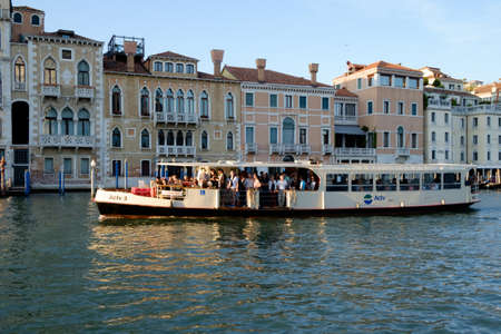 waterbus: Vaparetto waterbus on Grand canal, Venice