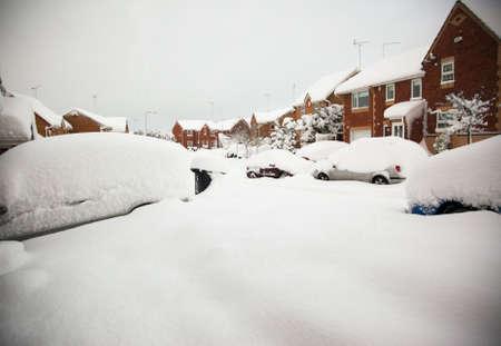 heavy snow: Heavy snow fall on UK housing estate Stock Photo