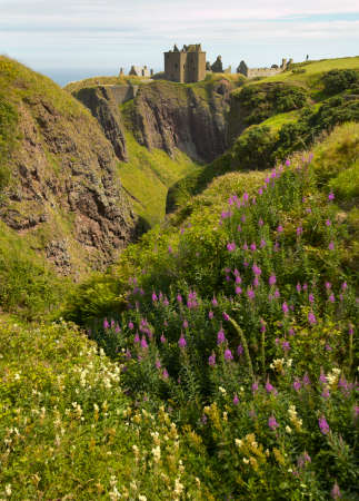 dunnottar castle: Dunnottar castle ruins in scottish coastline. Stonehaven. Scotland. UK. Vertical