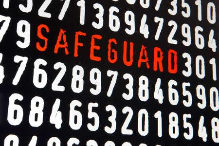sauvegarde: Ecran d'ordinateur avec le texte de sauvegarde sur fond noir. Horizontal Banque d'images