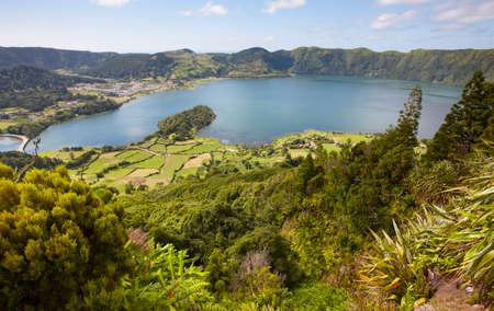 azul: Landscape with lakes. Lagoa azul lagoa verde. Sao Miguel. Azores. Portugal