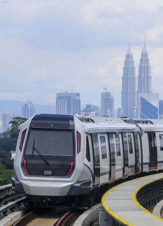 Malasia MRT (Mass Rapid Transit) tren, un transporte para la generación futura. Foto de archivo - 85777210