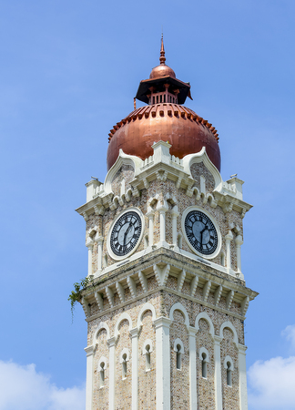 KUALA LUMPUR, MALAYSIA - JUNE 27, 2018 : The iconic clock tower of Sultan Abdul Samad building at Dataran Merdeka is one of the cityÕs most important tourist attractions and a historical landmark. 報道画像