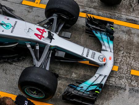 SEPANG, MALAYSIA - SEPTEMBER 29, 2017 : Lewis Hamilton of the (44) Mercedes AMG Petronas car during the Malaysia Formula One (F1) Grand Prix at Sepang International Circuit. 報道画像