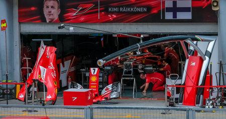 SEPANG, MALAYSIA : OCTOBER 01, 2017 : Crew team at garage of Kimi Raikkonen of Finland and Scuderia Ferrari during the Malaysia Formula One (F1) Grand Prix at Sepang International Circuit (SIC). 報道画像