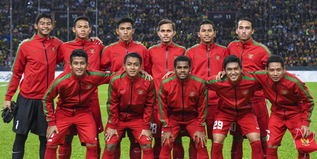 SELANGOR, MALAYSIA - AUGUST 26, 2017 : Indonesia Football Team during mens football Group B round match of the 29th Southeast Asian Games (SEA Games) at Shah Alam Stadium.