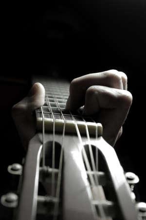 Gitarre spielen Standard-Bild